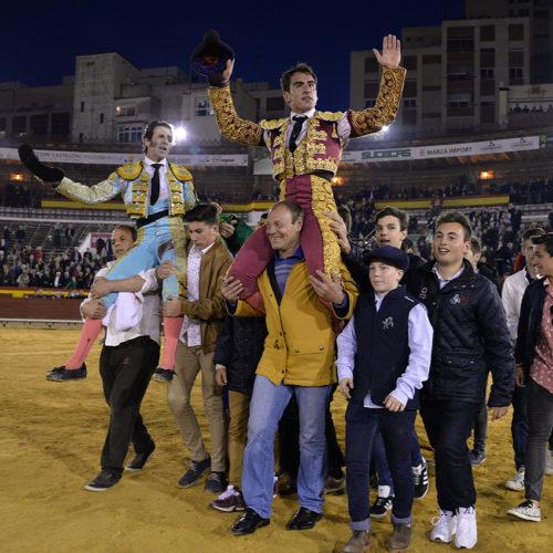 Primera de Feria: Padilla, El Fandi y Soler con toros de Fuente Ymbro.